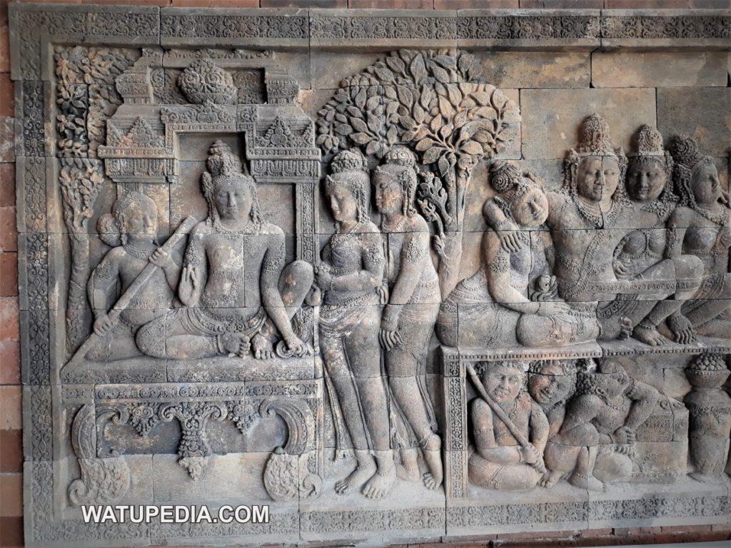 Relief ukir dinding batu candi borobudur dikerjakan oleh seniman pahat asli muntilan