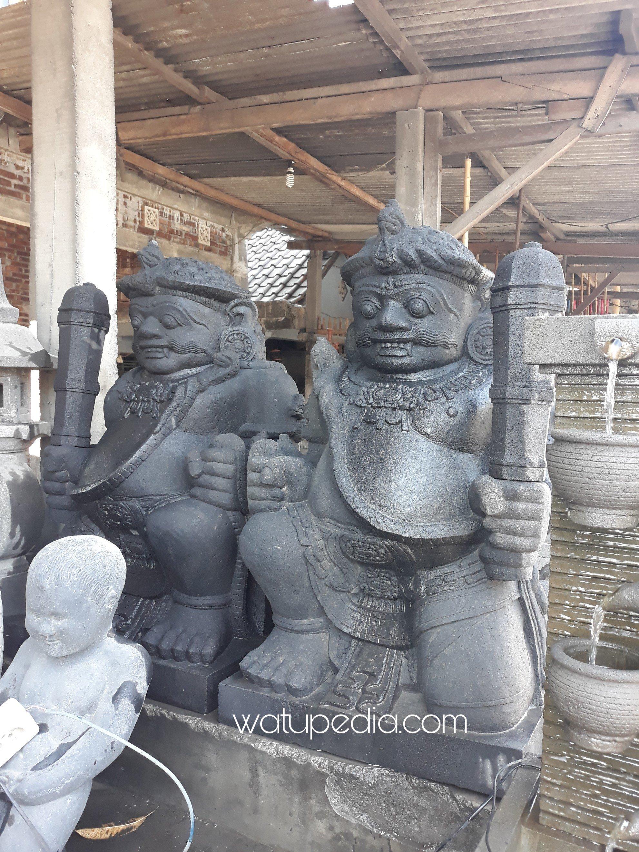Patung Gupala ini dikerjakan oleh pemahat spesialis gupala yang sudah perturun temurun membuat  patung gupala di dusun Tamanagung, kecamatan Muntilan.