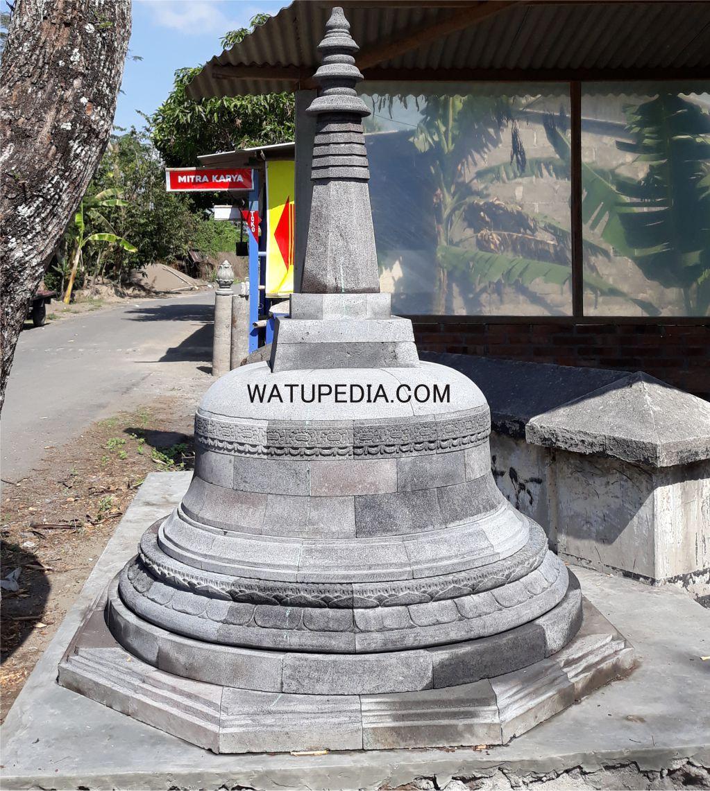 Stupa induk candi borobudur batu candi