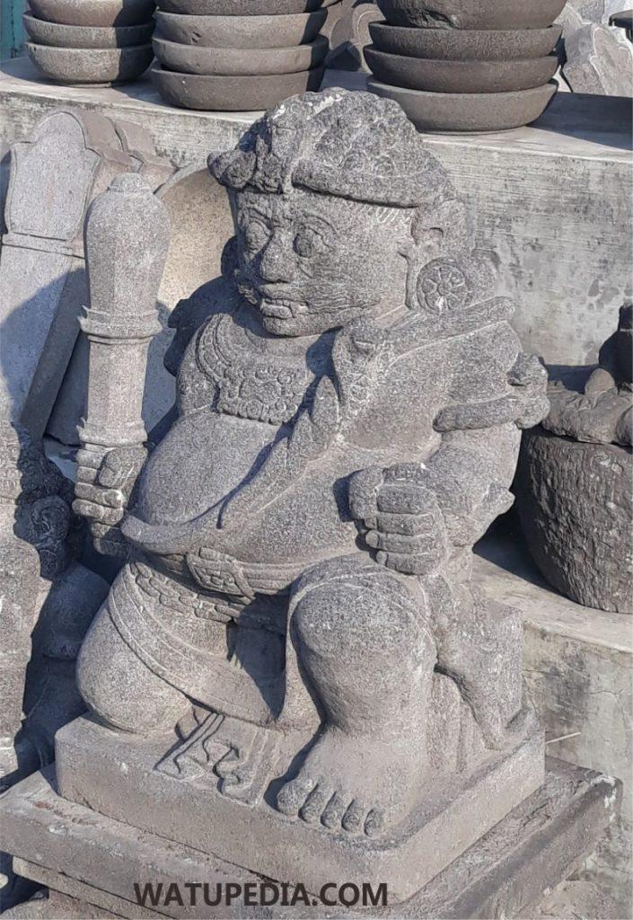 Harga patung gupolo muntilan memang sedikit lebih mahal karena bahan bakunya terbuat dari batu candi asli/ batu alam.